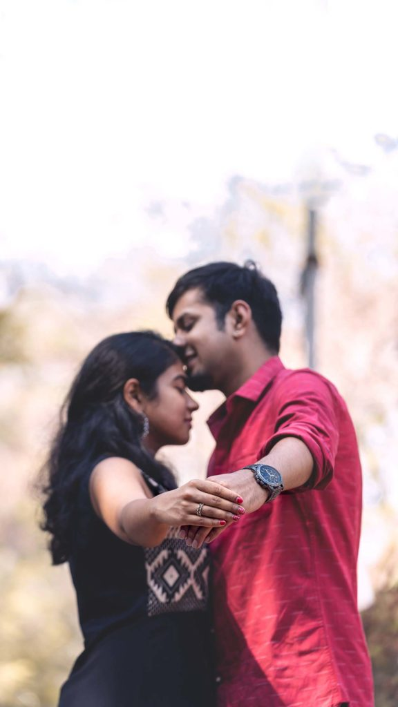 An adorable Forehead Kissing Pose for your Pre-wedding photoshoot