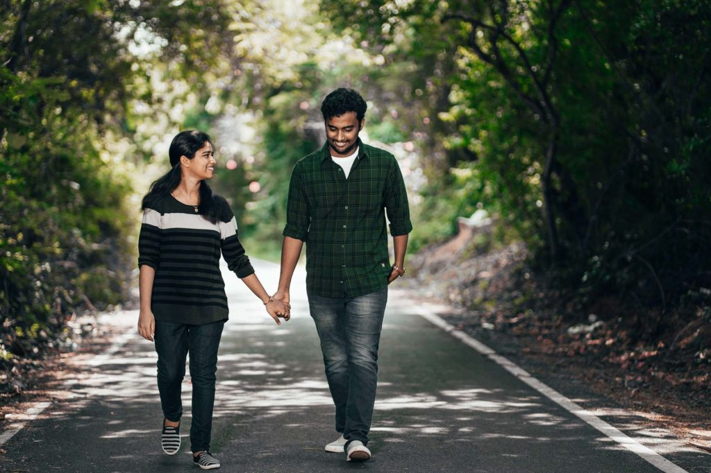 A Casual walking pose for your pre-wedding photoshoot